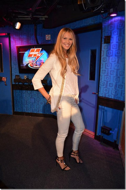 elle macpherson is anti semetic on the howard stern show