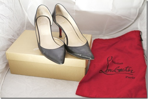 christian louboutin black pumps red bag box