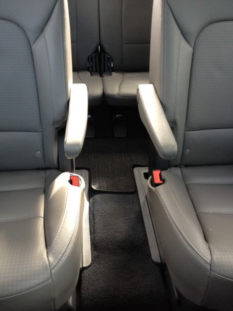 2013 hyundai santa fe captains chairs