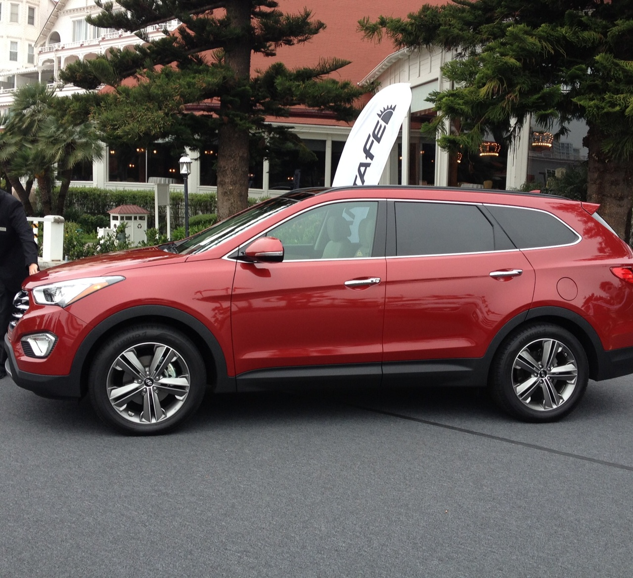 Hyundai 2013 Santa Fe: Made With Love For Your Family